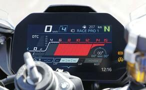 BMW S 1000 RR 2019 Rennstrecken Test Bild 15