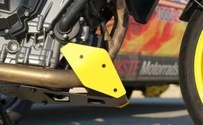 KTM 790 DunlopDuke Touring Ausbau Bild 8 Der Bugspoiler von SW-Motech passt für uns perfekt in die sportliche Gesamtlinie.
