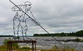 Die besten Routen für eine Motorradtour ans Nordkap Bild 5 Kunstwerk für kunstvolles Fischen: an den Stromschnellen vom Kukkolaforsen am finnisch-schwedischen Grenzfluss Torneälv © Feelgood Reisen