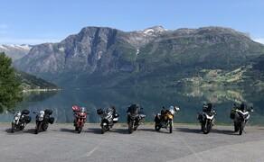Geführte Motorradreisen mit Feelgood Reisen Bild 4 Stop für Sightseeing in Norwegen am Jostedalsbreen Nationalparkzentrum © Dirk Heidecker, Feelgood Reisen