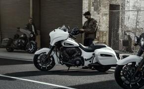 Indian Motorcyle – Neuheiten 2019 Bild 8 Die Chieftain Dark Horse begeistert 2019 nicht mehr ausschließlich im klassischen Schwarzen, sondern bietet mit den Lackierungen White Smoke und Bronze Smoke ein Kontrastprogramm.