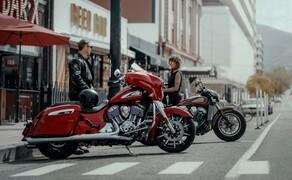 Indian Motorcyle – Neuheiten 2019 Bild 11  Vom neuen Streamline-Design profitieren die Modelle Chieftain, Chieftain Dark Horse und Chieftain Limited. Als erstes fallen die stark konturierte Fronverkleidung und neu modellierten Gabelschützer auf. Die dynamische Formgebung setzt sich zum Heck hin fort.