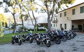 Dunlop Sportsmart MK3 Test Rennstrecke und Landstrasse Bild 1 Ist immer ein schöner Moment bei Reifentests. Wenn Du morgens das Hotel verlässt und aus einer bunten Auswahl von Bikes wählen darfst.