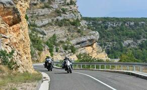 Motorrad-Touren unter 1000 Euro Bild 3 Kroatien ist besonders günstig im Mai und Oktober: Die 9 Tage Motorradtour auf der dalamatinischen Küstenroute  kannst du bei Feelgood Reisen schon ab 690 Euro buchen © Feelgood Reisen