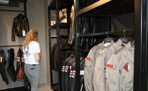 Eröffnung des Wiener D-Stores Bild 6