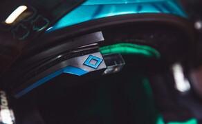 EyeLights - Head-Up-Display Bild 6 Eingebauter Zustand am Helm. Das Display wird oben rechts zwischen Helm und Polster montiert.