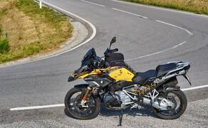 BMW R1250GS Attack Dauertest Bild 8 Der Conti Trail Attack 3 und die Maschine passen wirklich toll zusammen. Der Reifen bietet eine super kurze Aufwärmzeit. Damit ist er für alltägliche Strecken bestens geeignet.