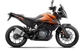 """Motorrad Neuheiten 2020 Bild 4 Lange haben wir danach verlangt und jetzt liefert KTM ab - und zwar richtig! Die 390 Adventure baut auf der Basis der 390 Duke und kommt mit einer für diese Klasse sehr hochwertigen Ausstattung! Mehr Informationen gibt's <a href=""""/modellnews-3006198-ktm-390-adventure-2020"""">HIER</a>."""