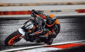"""Motorrad Neuheiten 2020 Bild 3 Das Skalpell war wohl nicht scharf genug, denn auf Basis der 790 Duke präsentiert KTM die neue 890 Duke R, die mit mehr Leistung und einstellbarem WP-Fahrwerk trumpft! Hier alle <a href=""""/modellnews-3006197-ktm-890-duke-r-2020"""">Daten und Fakten zur 890 Duke R</a>."""