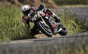 """Motorrad Neuheiten 2020 Bild 18 Und so sah sie noch als Erlkönig aus. Der Streetfighter V4 wurde erstmals am Pikes Peak präsentiert. Hier die Story zum <a href=""""/modellnews-3005708-ducati-streetfighter-v4-2020-prototyp-beim-pikes-peak"""">Ducati Streetfighter V4 2020 Erlkönig</a> ."""