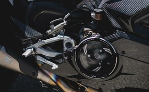 Ducati Panigale V4 Carbon von Carlin Dunne Bild 3