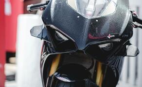 Ducati Panigale V4 Carbon von Carlin Dunne Bild 9