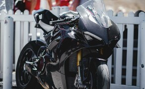 Ducati Panigale V4 Carbon von Carlin Dunne Bild 12