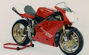 Throwback: Originale Studiobilder der Ducati 916, 996 und 998 Bild 1 Die Ducati 916 Racing aus dem Jahr 1994.