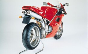 Throwback: Originale Studiobilder der Ducati 916, 996 und 998 Bild 11 Die Ducati 916 Strada - Baujahr 1994.