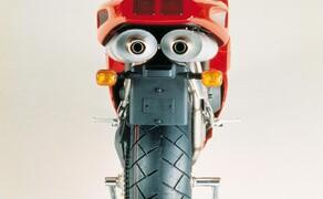 Throwback: Originale Studiobilder der Ducati 916, 996 und 998 Bild 12 Die Ducati 916 Strada - Baujahr 1994.