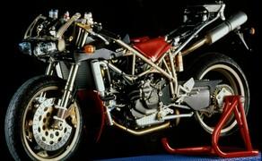 Throwback: Originale Studiobilder der Ducati 916, 996 und 998 Bild 18 Die Ducati 916 Strada - Baujahr 1994.