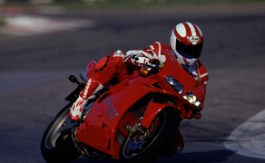 Throwback: Originale Studiobilder der Ducati 916, 996 und 998 Bild 19 Die Ducati 916 Strada - Baujahr 1994.