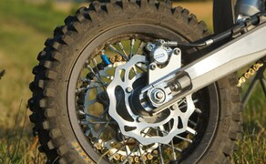 Husqvarna EE5 Kinder Motocross Bild 3 Die Maschine kann für Kinder von 5-9 Jahren verwendet werden.