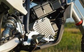 Husqvarna EE5 Kinder Motocross Bild 8 Der Motor hat eine Nennleistung von 2kW und eine Spitzenleistung von 5kW.