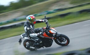 Dunlop Reifentest - Geile Pneus auf 125ern Bild 1 Vauli ist für Euch am Limit unterwegs!