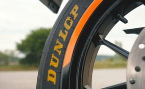 Dunlop Reifentest - Geile Pneus auf 125ern Bild 12 Der Dunlop Schriftzug - so ein schönes Detail wünschen wir uns bei jedem Reifen.