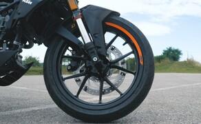 Dunlop Reifentest - Geile Pneus auf 125ern Bild 17 Der Dunlop GPR-300  Preis/Leistung haben überzeugt - Kompromisse muss man dennoch eingehen.