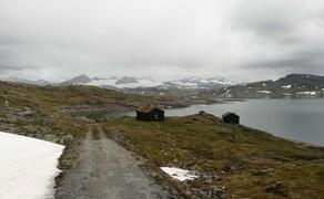 Norwegen Reisebericht - Ein Traum auf zwei Rädern Bild 14 Das Gebirgsplateau hat mit seiner schroffen Felslandschaft einen gewissen urtümlichen und urgewaltigen Charme.