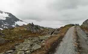 Norwegen Reisebericht - Ein Traum auf zwei Rädern Bild 15 Abenteuerlustige können diesen Charme auf unbefestigten Wegen ausschöpfen.