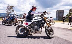 Yamaha XSR700 Enduro: Deus Swank Rally 700 Bild 4 Durch das aufgewertete Fahrwerk lässt sich nur mehr schwer die ursprüngliche XSR700 erkennen.