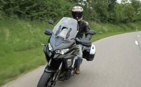 Kawasaki Sporttourer Vergleichstest Bild 1 Nils auf der Kawasaki Versys 1000 SE
