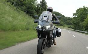 """Kawasaki Sporttourer Vergleichstest Bild 11 ..Auch die Traktionskontrolle und das Ride-By-Wire funktionieren hervorragend und sorgen für """"das"""" Sporttourer Erlebnis."""
