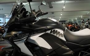 """Kawasaki Sporttourer Vergleichstest Bild 16 Die Versys 1000 SE entspricht dem Bild eines """"klassischen Sporttourers""""."""