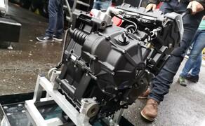 Die Technik der Moto2 - Hinter den Kulissen Bild 3 ... und zwar sehr genau!