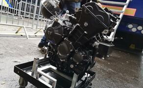 Die Technik der Moto2 - Hinter den Kulissen Bild 9 Der Moto2 Motor aus mehreren Blickwinkeln