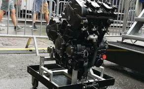 Die Technik der Moto2 - Hinter den Kulissen Bild 10 Der Moto2 Motor aus mehreren Blickwinkeln