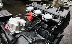 Die Technik der Moto2 - Hinter den Kulissen Bild 13 Der Moto2 Motor aus mehreren Blickwinkeln