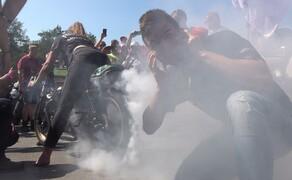 Glemseck 101: Die 14. Runde 2019 Bild 19 Die Petrolettes Fahrerinnen heizten uns und den Besuchern so ganz schön ein!