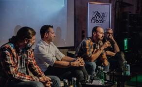 Zukunft Motorrad Diskussionsrunde beim Moto Circle Bild 2 In den F23.wir.Fabriken, quasi als Vorprogramm, zum Moto Circle Vienna 2019. Hier gerade am Wort: KTM Österreich Geschäftsführer Christopher Schipper.