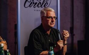 Zukunft Motorrad Diskussionsrunde beim Moto Circle Bild 7 Motorrad Enthusiast und HR-Experte: Hans Jorda