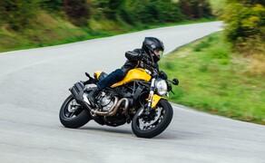 Ducati Monster – nackte italienische Emotion seit 1992 Bild 11 Ducati Monster 821 - die aktuelle Monster in der Mitte