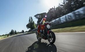 Ducati Monster – nackte italienische Emotion seit 1992 Bild 13 Ducati Monster 1200R - 151 PS und feinste Ausstattung: bis dato die mächtigste Monster