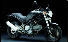 """Ducati Monster – nackte italienische Emotion seit 1992 Bild 2 Ducati Monster 620i.e. - die erste """"Einsteiger-Monster"""" mit elektronischer Einspritzung"""