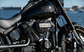 Harley-Davidson Low Rider S 2020 Test in Kalifornien Bild 6 Doch zurück zur Low Rider S 2020. Die Maschine ist eine interessante Vermählung vom 114er Milwaukee-Eight mit dem Softail Chassis.