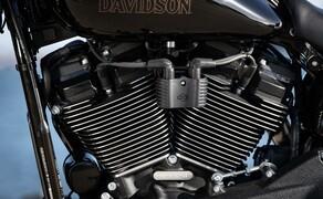 Harley-Davidson Low Rider S 2020 Test in Kalifornien Bild 17 Der Motor ist starr mit dem Rahmen verbunden. 2 Ausgleichswellen sorgen zur Dämpfung der Vibrationen.