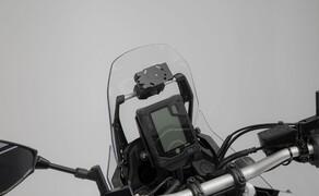 SW-Motech Zubehör für die Yamaha Tenere 700 Bild 1 Navi-Halter an Rohr Ø 10/12 mm
