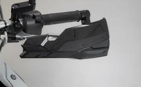 SW-Motech Zubehör für die Yamaha Tenere 700 Bild 9 KOBRA Handprotektoren-Kit