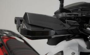 SW-Motech Zubehör für die Yamaha Tenere 700 Bild 10 KOBRA Handprotektoren-Kit
