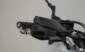 SW-Motech Zubehör für die Yamaha Tenere 700 Bild 11 KOBRA Handprotektoren-Kit
