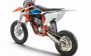 KTM SX-E 5 2020: Elektro Motocross für Kinder Bild 11